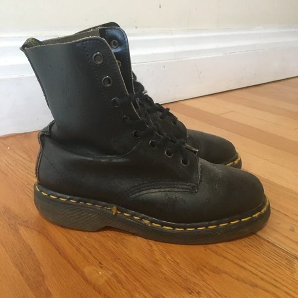 fc2b55e1816 Doc Martens Black Boots Women Shoe Size UK 3 US 5